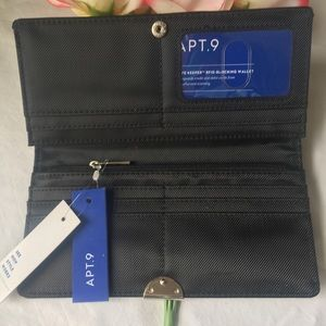NWT Apt. 9 Genuine Leather Black Wallet